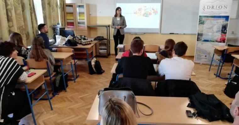 """Zdrava hrana i u EKO Osnovnoj školi """"Dr. Franje Tuđmana"""" u Brelima"""